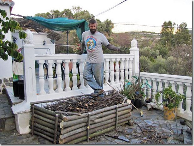 Hugel-on-the-Balcony-