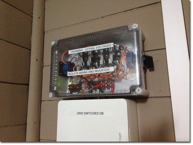 Solar-Grid-Switch