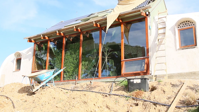 What is an Earthship 01