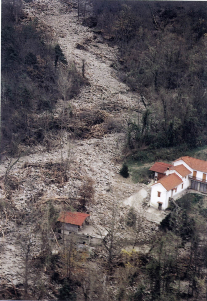 A superficial landslide in the village of Prunetto 1994