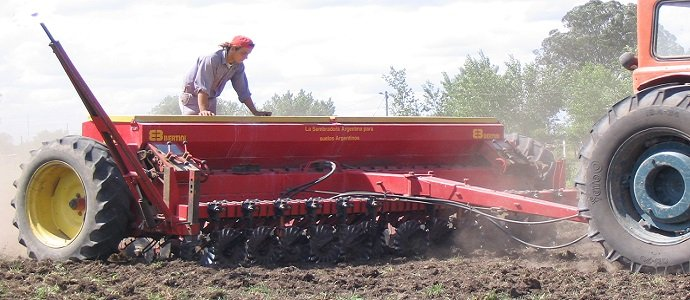 Photo of How Traffic and Soil Compaction Affects Growth and Yields