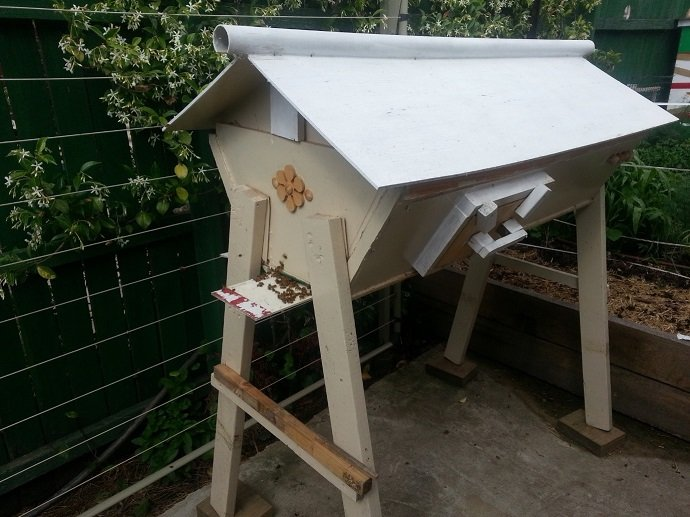 Integrating Beekeeping with Permaculture 03